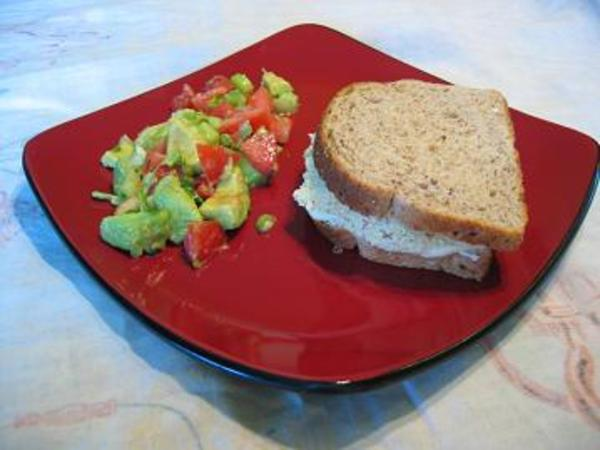 Sandwich_tofu_salade_avocat_mini