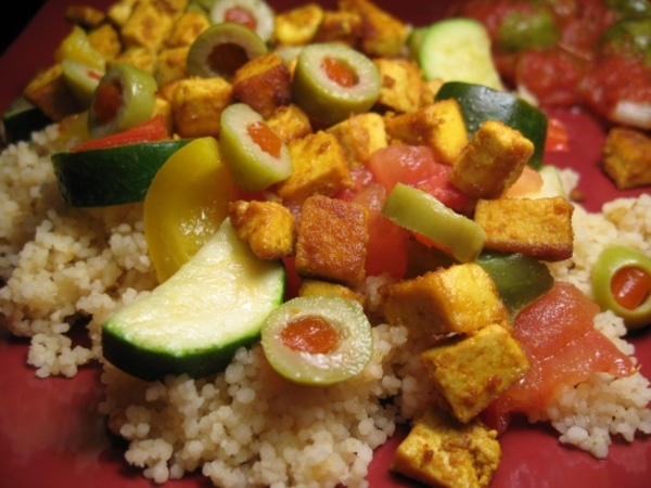 Couscous_tofu_epice_olives_mini